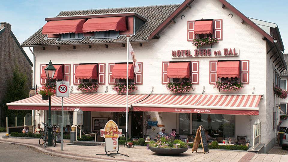 Hotel Berg en Dal - EDIT_front.jpg