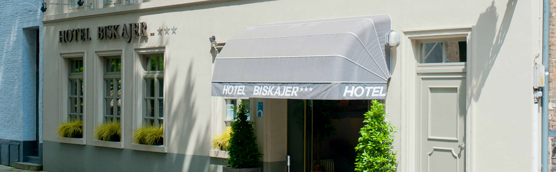 Hotel Biskajer Adults Only - EDIT_Exterior.jpg