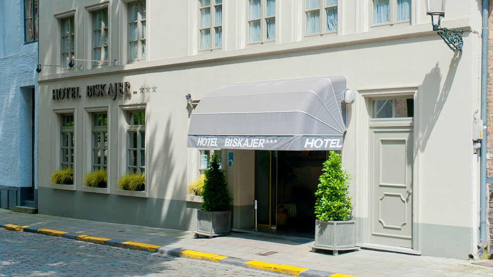 Hotel Biskajer Adults Only - EDIT_Exterior.jpg
