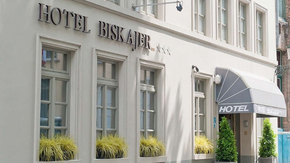 Hotel Biskajer Adults Only - EDIT_Exterior1.jpg