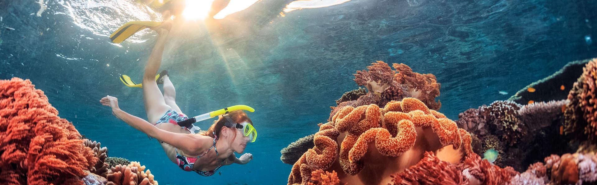 Hotel & Diving Les Illes - EDIT_snorkel.jpg