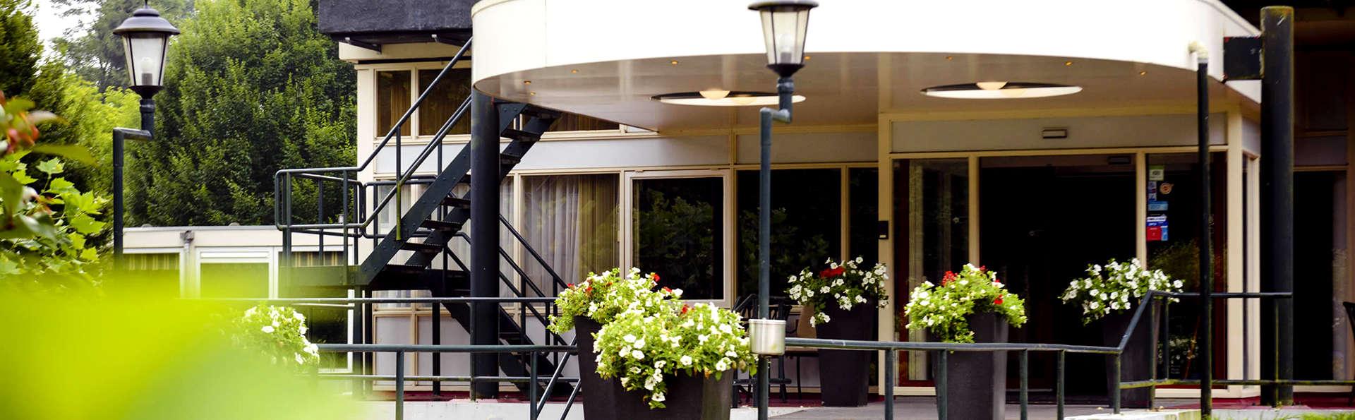 Fletcher Hotel Restaurant Beekbergen-Apeldoorn - Edit_Entrance.jpg