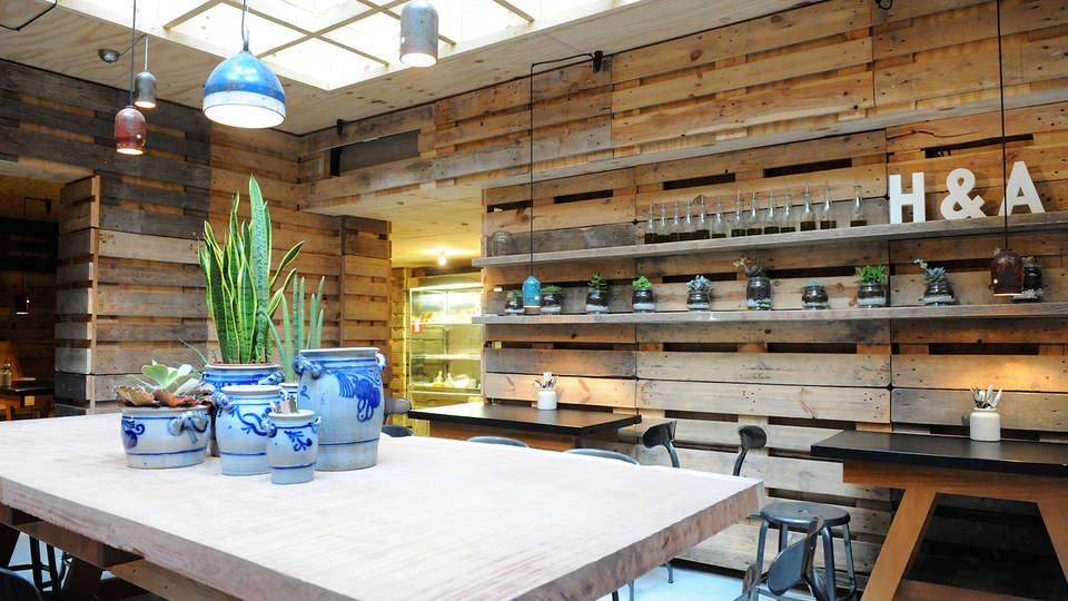 Hotel Chelton - EDIT_Restaurant4.jpg