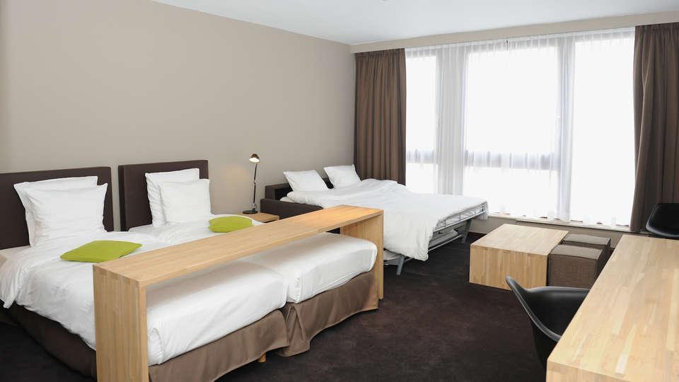 Hotel Chelton - EDIT_Room16.jpg