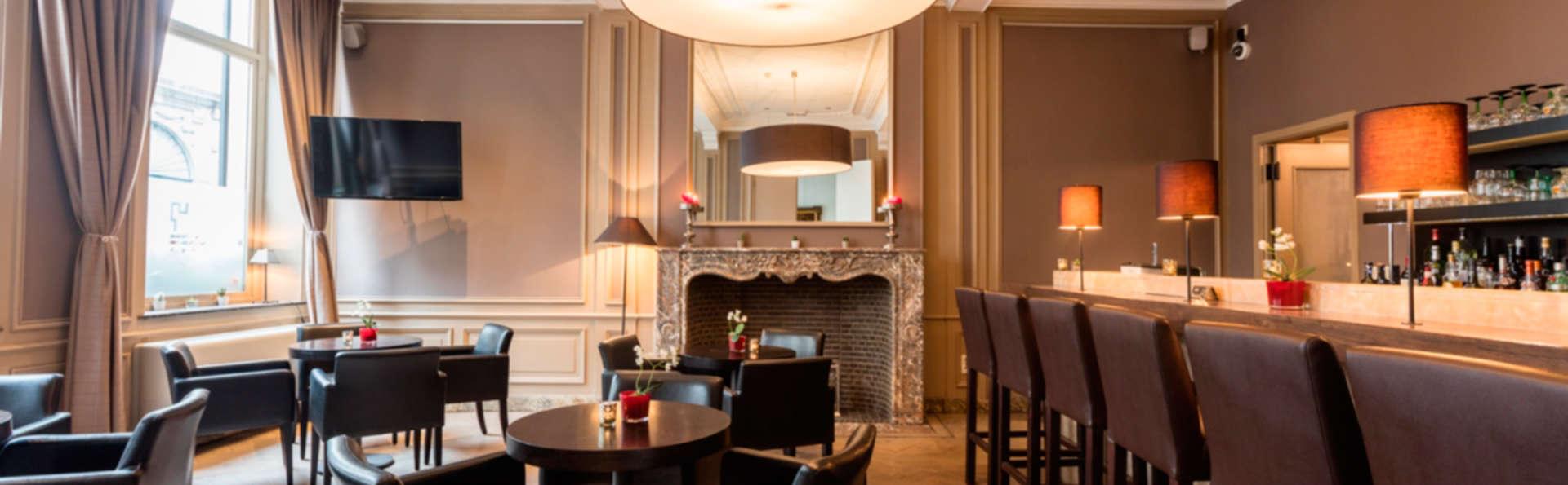 Hotel de Flandre - EDIT_bar2.jpg