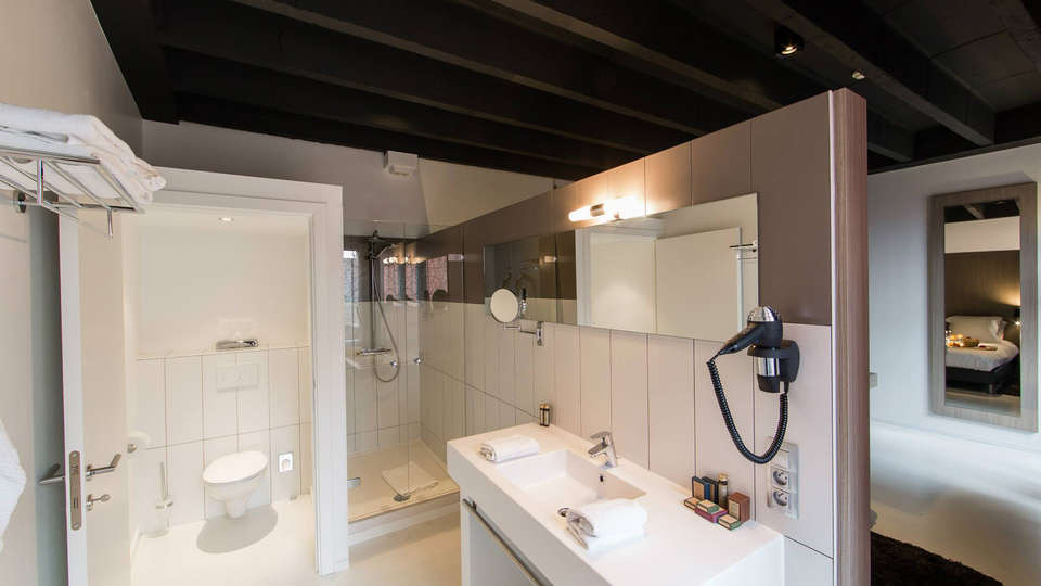 Hotel de Flandre - EDIT_bath5.jpg