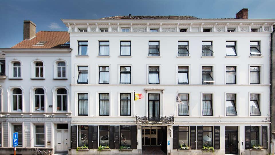 Hotel de Flandre - EDIT_front.jpg