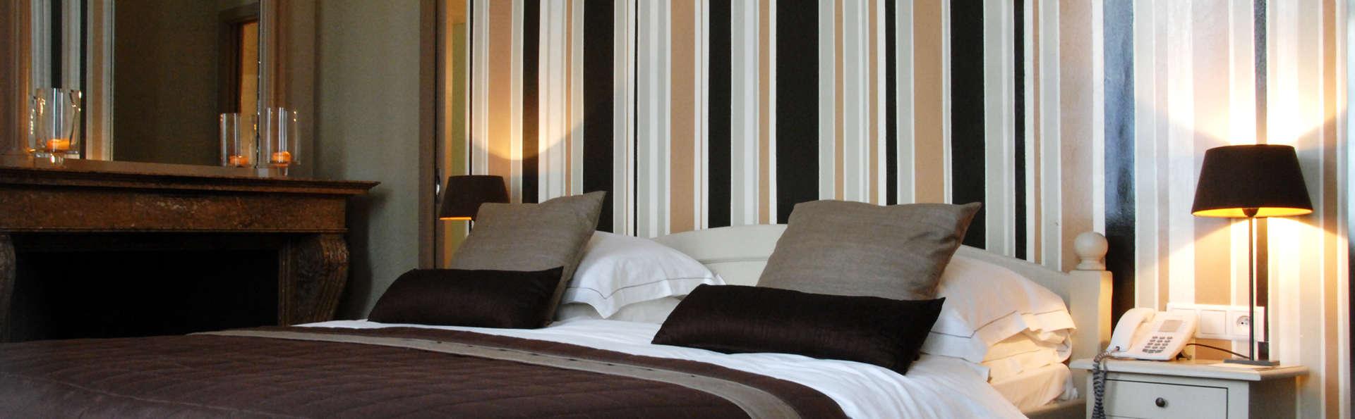 Hotel de Flandre - EDIT_room.jpg