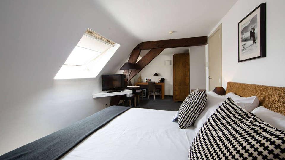 Hotel de Flandre - EDIT_room2.jpg
