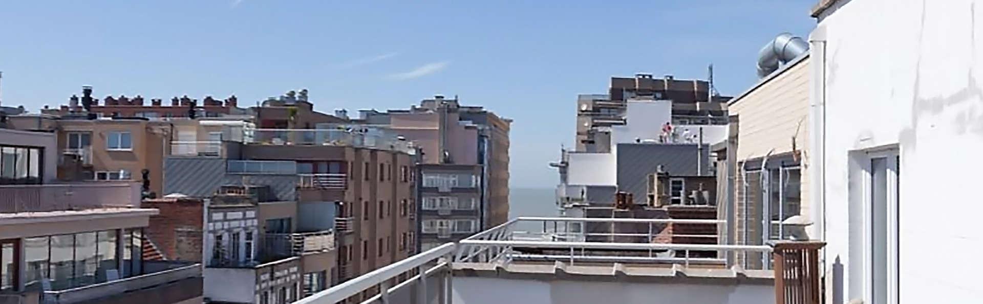 Hotel de Hofkamers - EDIT_terrace.jpg