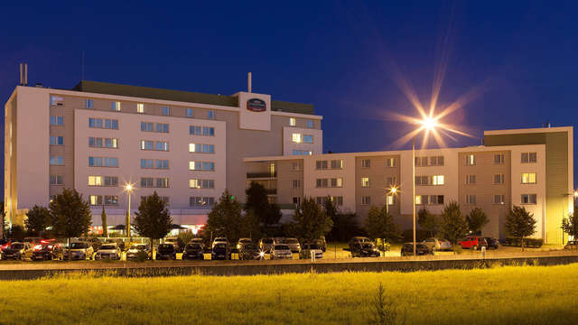 Hotel Courtyard By Marriott Toulouse Airport - Front
