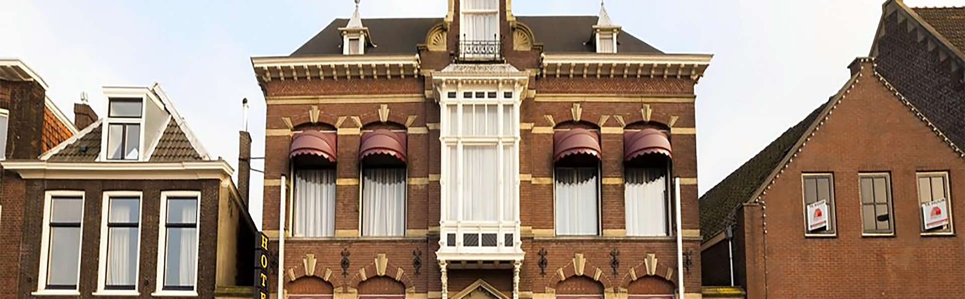 Hotel Dordrecht - EDIT_front.jpg