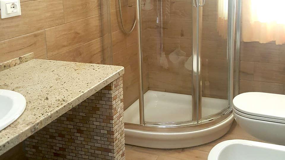 Casa Zeffirino - Edit_Bathroom.jpg