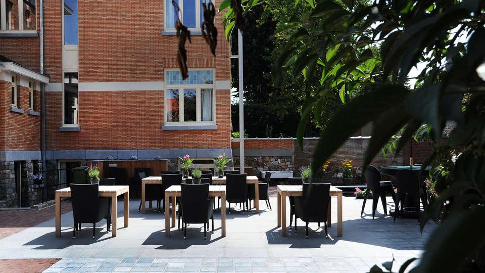 Charmehotel Villa Saporis - EDIT_terrace2.jpg