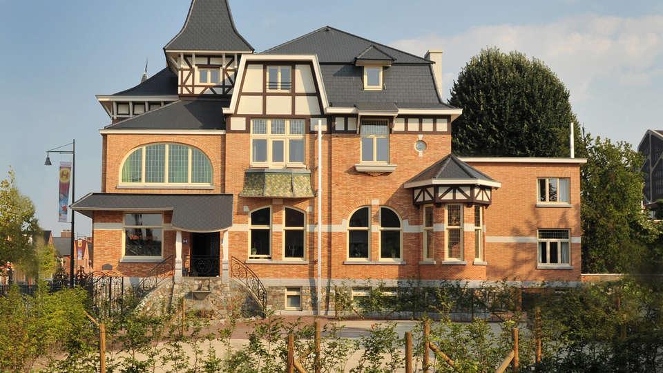 Charmehotel Villa Saporis - EDIT_front.jpg