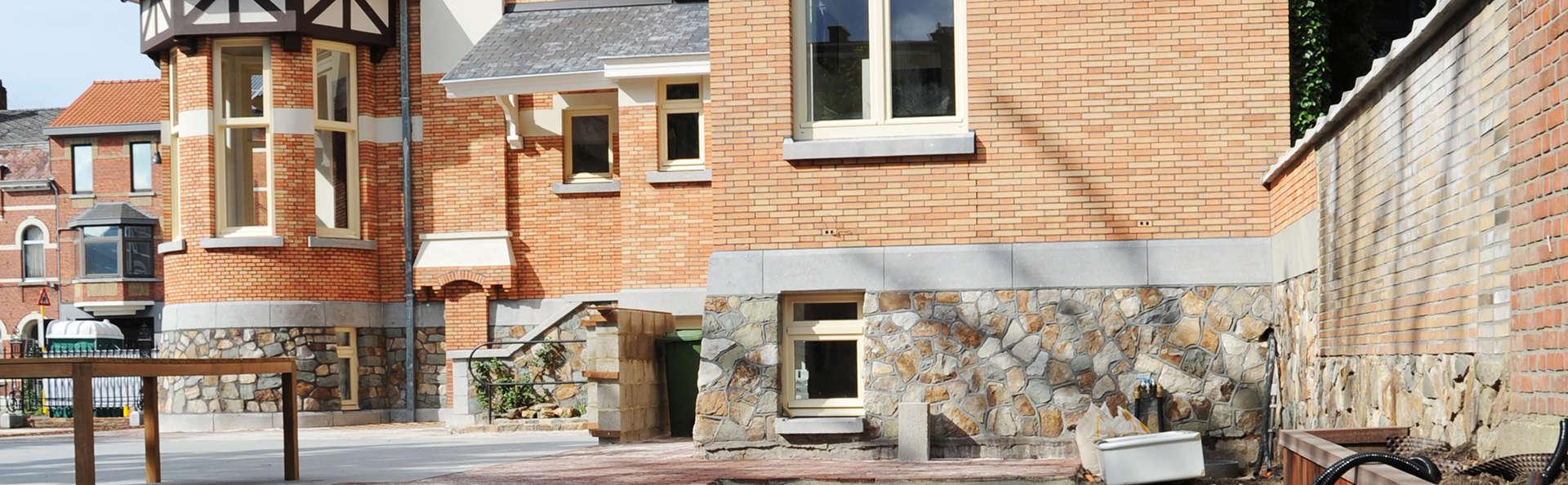 Charmehotel Villa Saporis - EDIT_front1.jpg