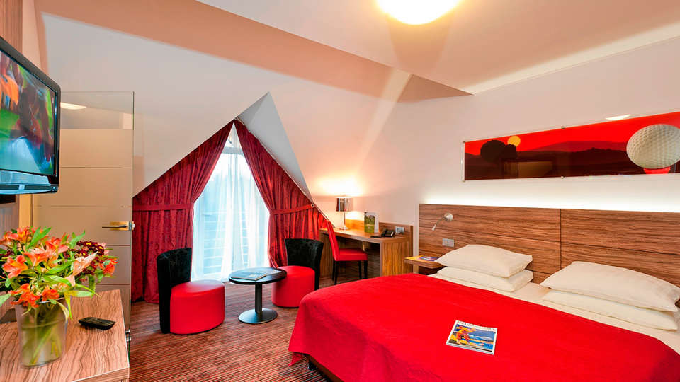 Golf & Country Hotel - EDIT_room1.jpg