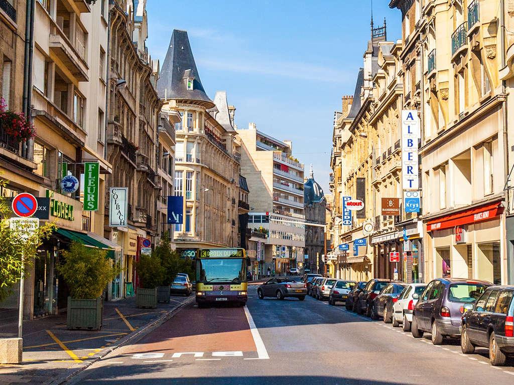 Séjour à Reims à deux pas de la Cathédrale Notre Dame 3* - 1