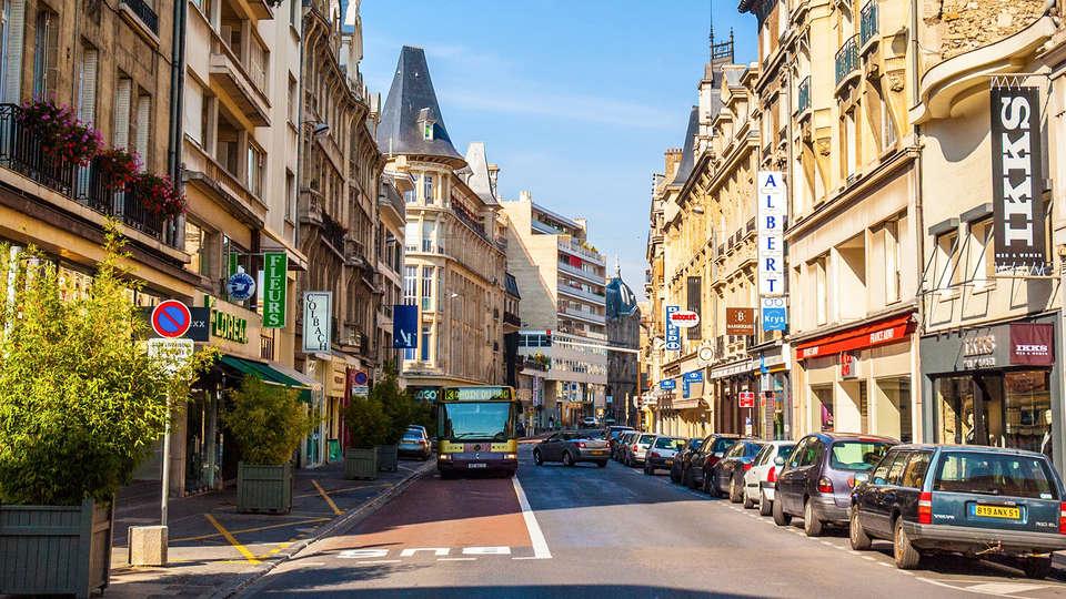 Hôtel Restaurant Campanile Reims Centre - Cathédrale - Edit_Reims2.jpg