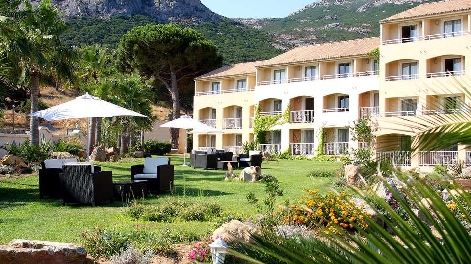 Hôtel Corsica - Edit_Front.jpg