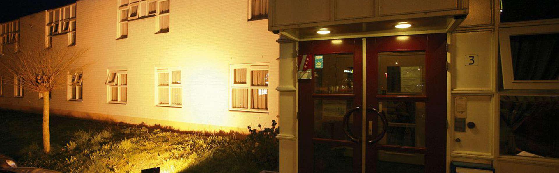 Hotel Gieling - EDIT_front.jpg