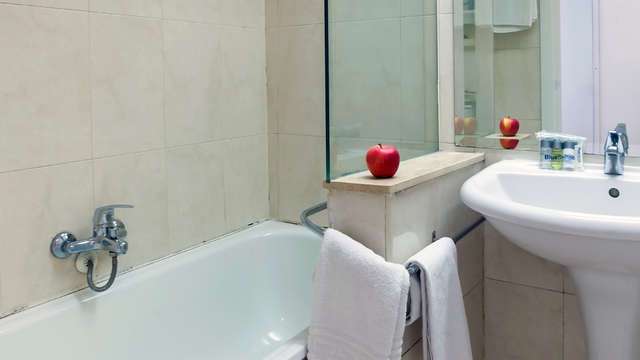 Bluesense Madrid Genova - Bathroom