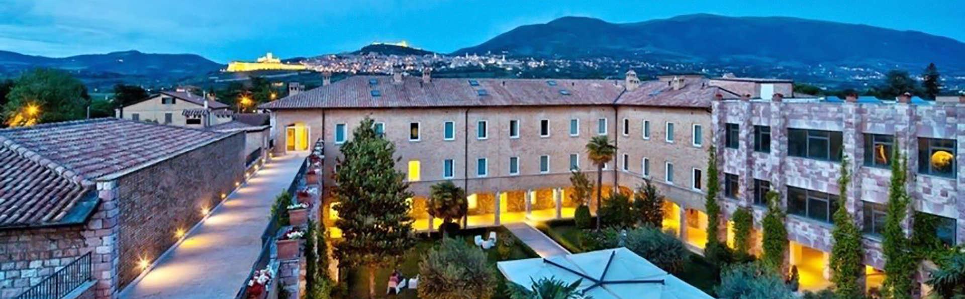 Hotel Cenacolo - Edit_Front2.jpg