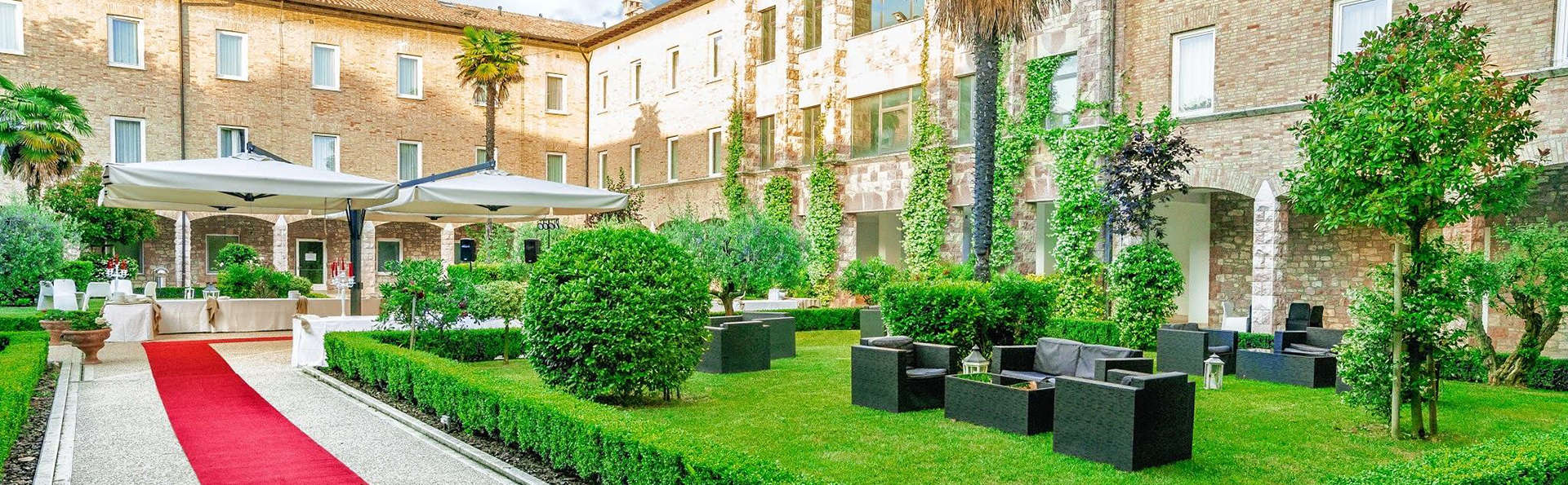 Hotel Cenacolo - Edit_Front.jpg