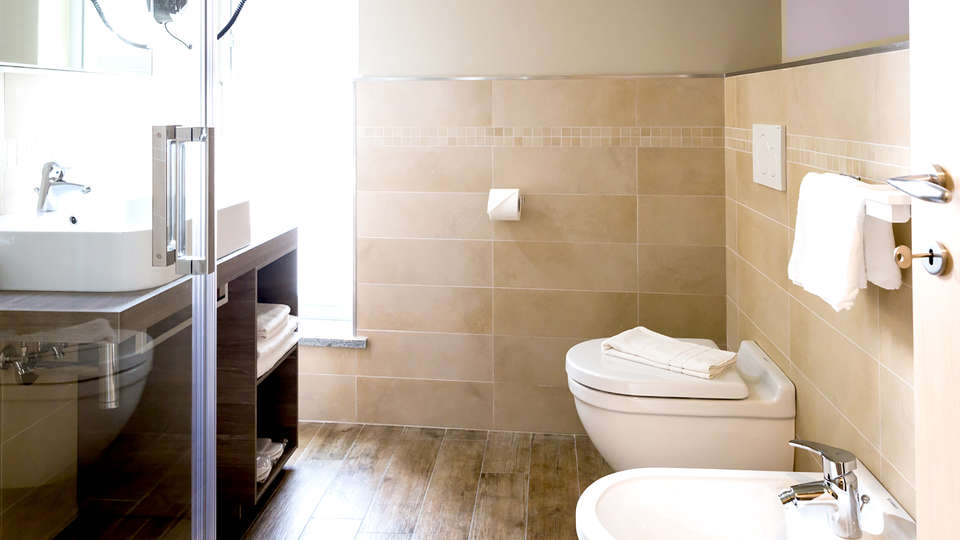 Hotel Monteverde - Edit_Bathroom.jpg