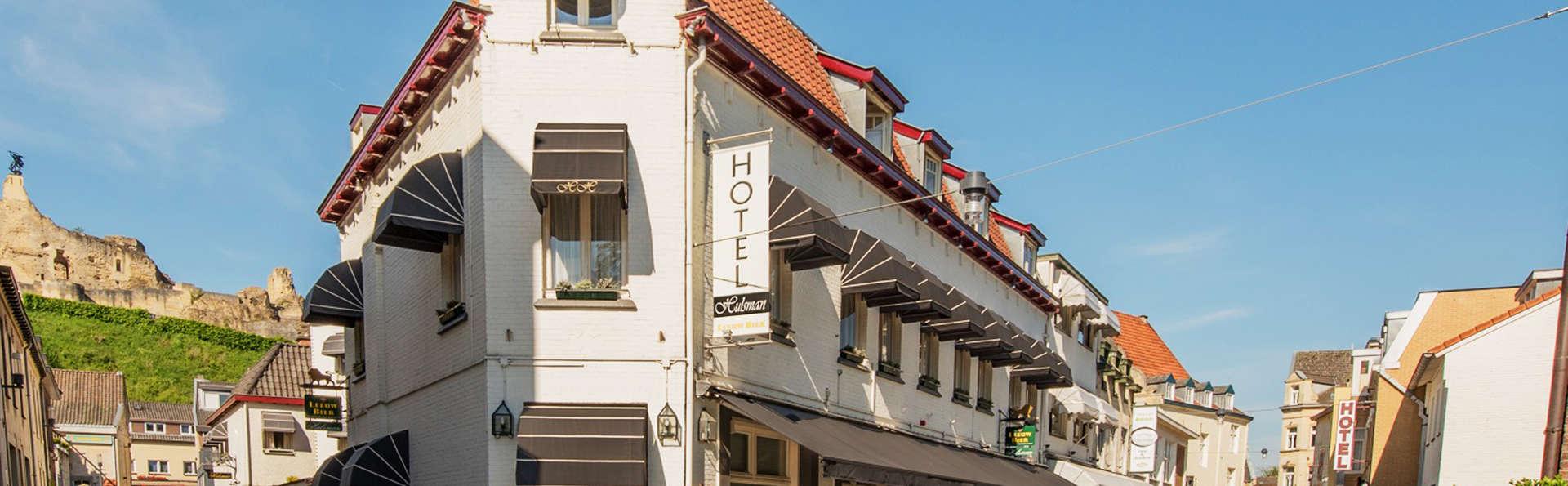 Hotel Hulsman - EDIT_front.jpg