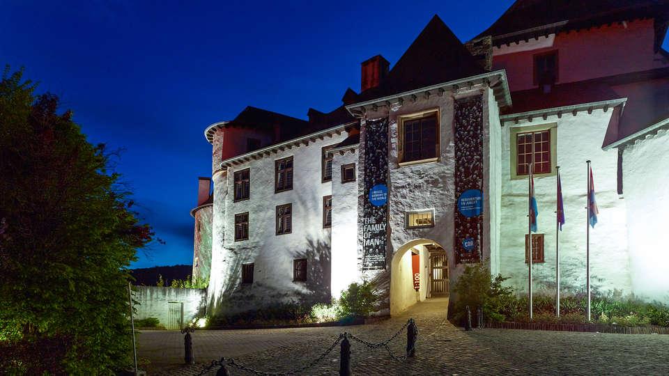 Hotel International - EDIT_chateau.jpg
