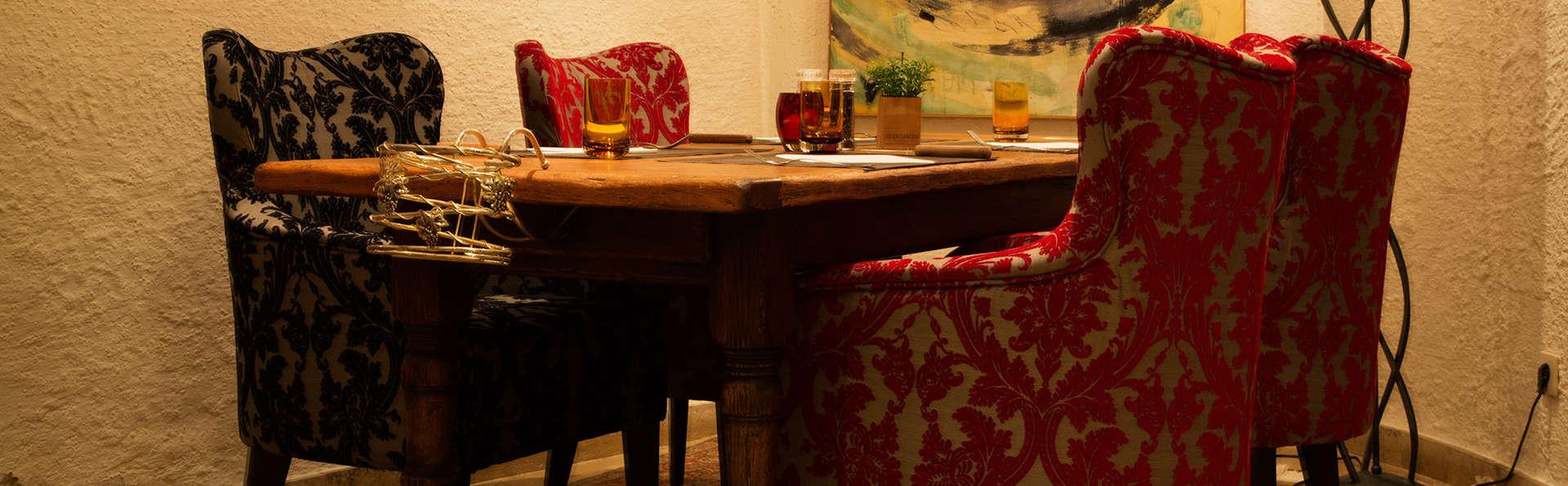 Hotel International - EDIT_restaurant.jpg