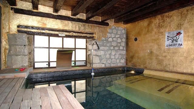 Escapada de lujo con acceso al spa y copa de bienvenida en una antigua abadía 4* en Ampudia