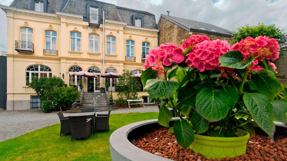 Hôtel La Villa des Fleurs  - EDIT_front.jpg