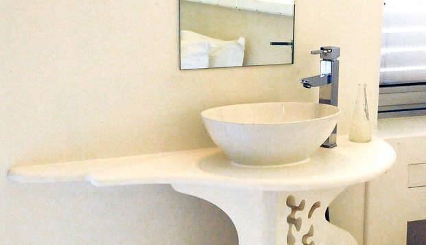 Hotel Sud Bretagne - Bathroom