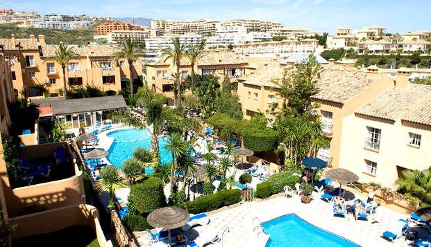 Escapada en apartamentos 3* con spa en la Cala de Mijas, Málaga