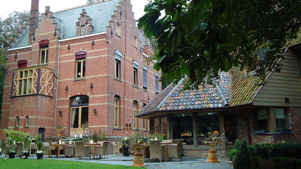 Hotel Manoir Ogygia - EDIT_Exterior.jpg