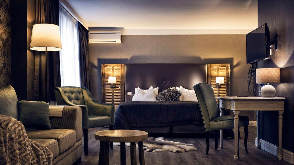Hotel Mardaga - Different Hotels - EDIT_room.jpg