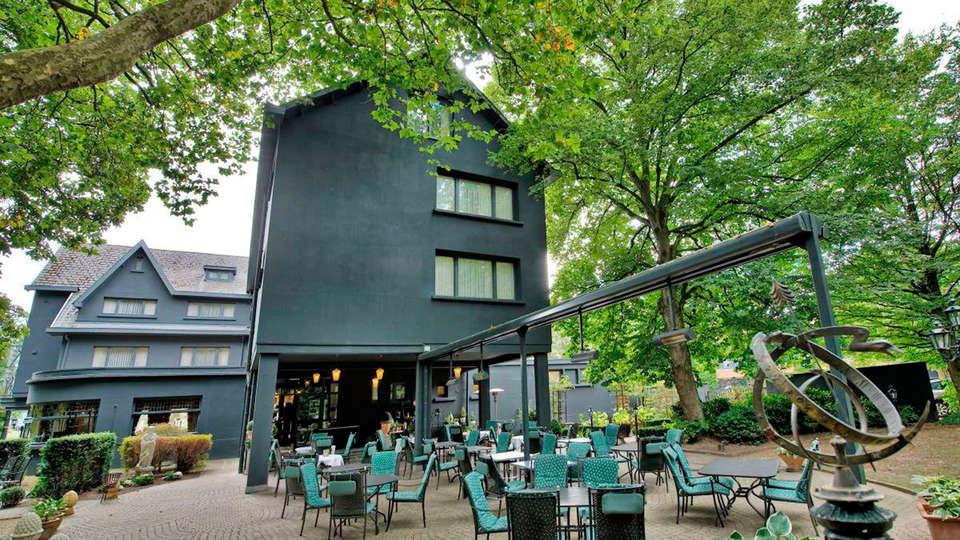 Hotel Mardaga - Different Hotels - EDIT_terrace.jpg