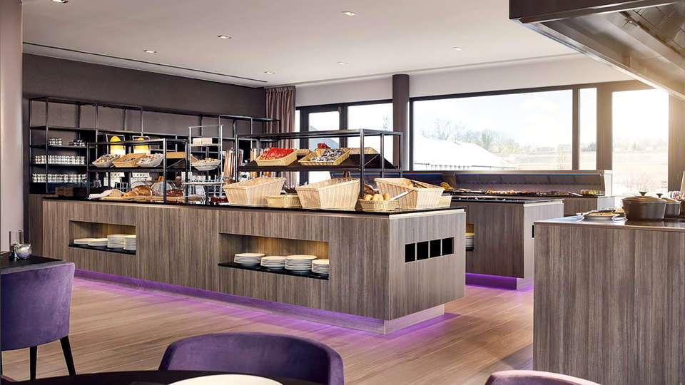Hotel Restaurant Charleroi Airport - Van der Valk - Edit_Breakfast2.jpg