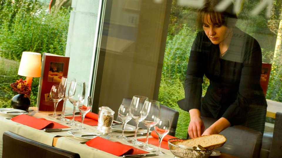 Hotel Melinda - EDIT_restaurant.jpg