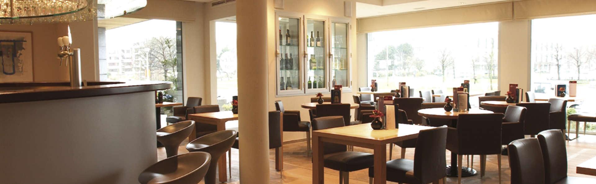 Hotel Melinda - EDIT_brasserie.jpg