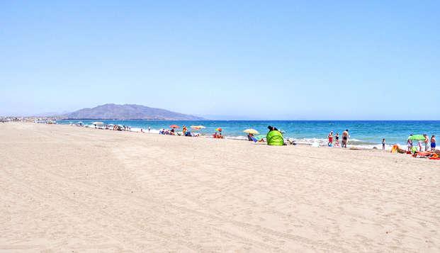 ¡Todo Incluido! Enamórate de la costa almeriense en Vera (desde 3 noches)
