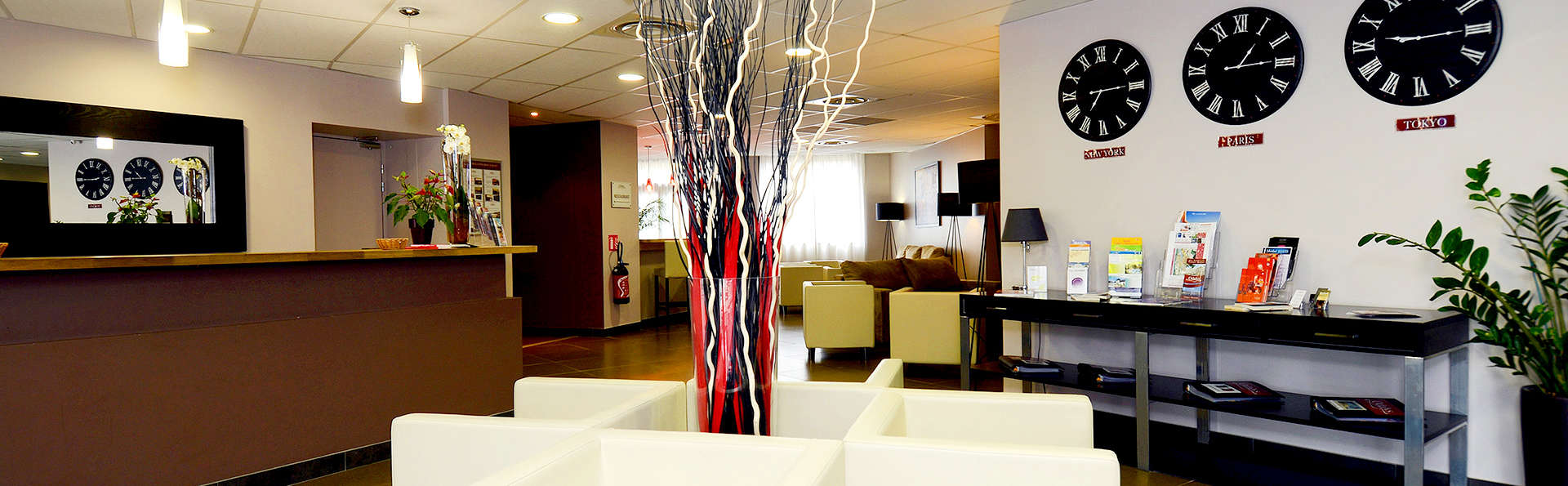 Appart'hôtel et Spa Odalys Ferney Genève - Edit_Reception2.jpg