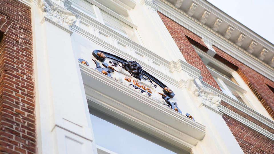 Hotel Mozaic Den Haag - EDIT_Exterior.jpg
