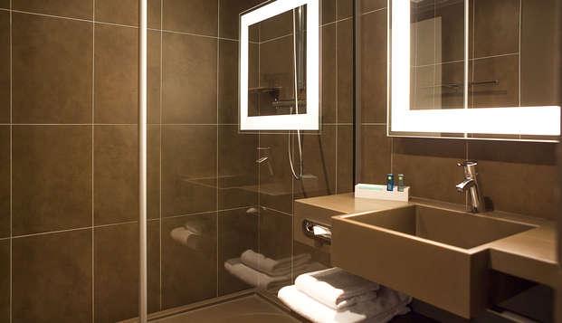 Novotel Paris La Defense - bath