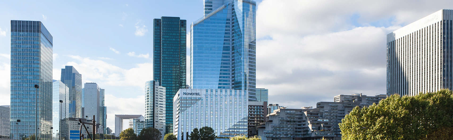 Novotel Paris La Défense - EDIT_front.jpg
