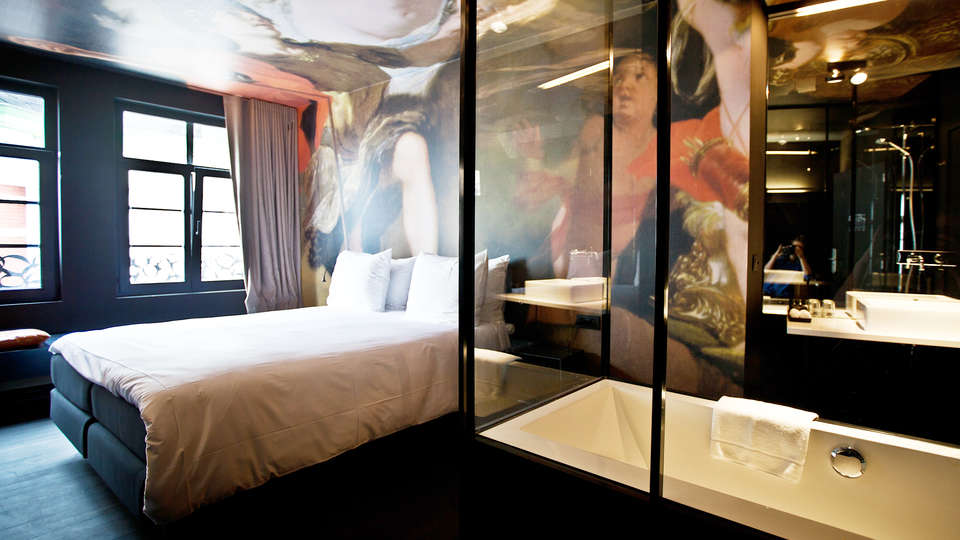 Hotel O Kathedral - EDIT_Room1.jpg
