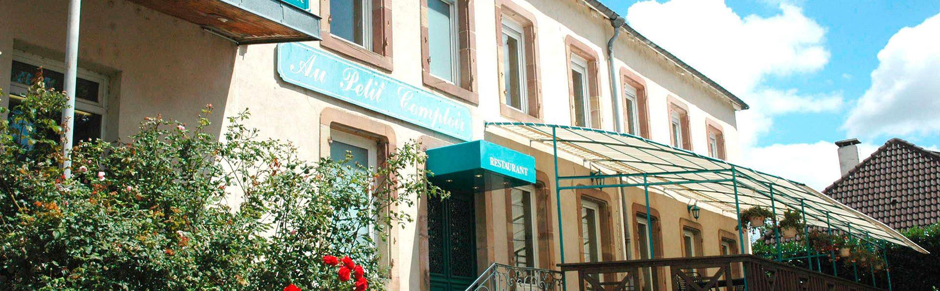 Hôtel Les Pages - EDIT_front2.jpg