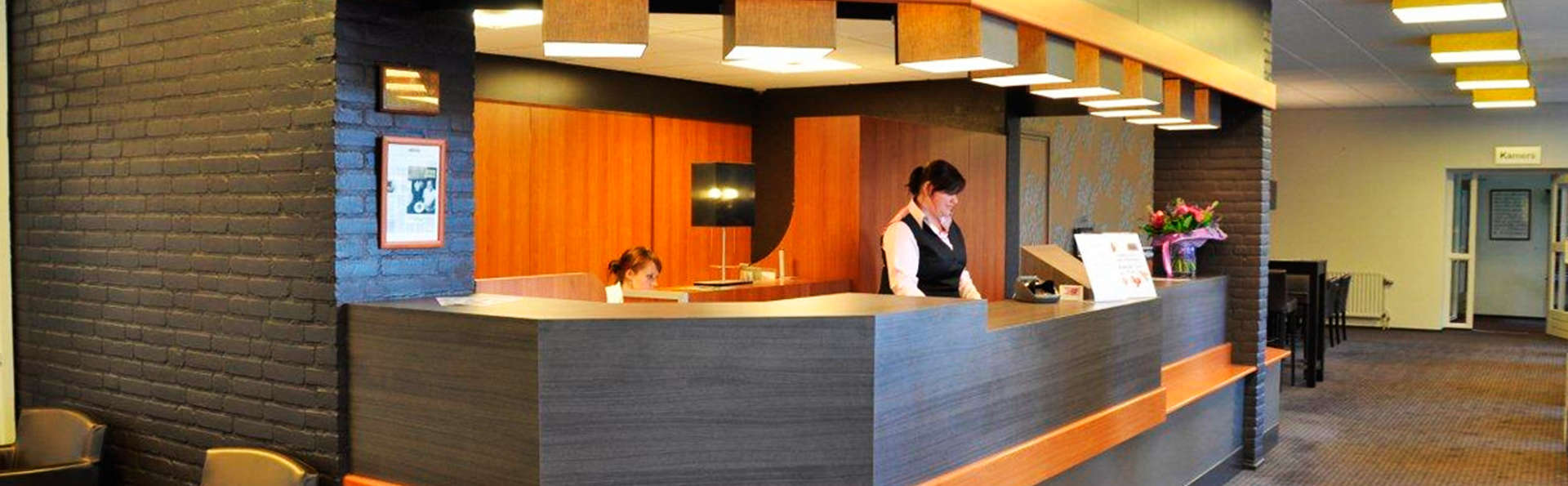 A-Hotel Oosterhout - EDIT_reception.jpg